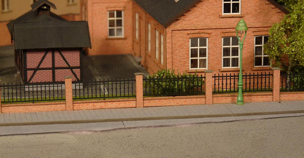 Gartenmauer Mit Metallgelander Lasercut Welten Joswood Gmbh